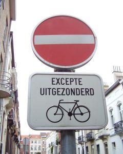 Dirección prohibida salvo bicicletas (Bruselas)