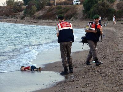 Niño muerto en isla de Lesbos