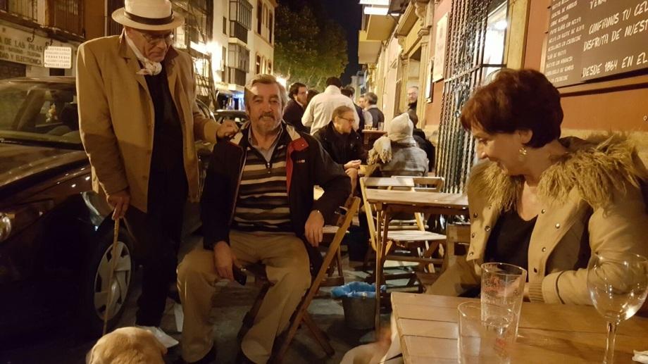 Daniel Lebrato con José María Miura, Carmen Villalobos y perros 2016 11 10
