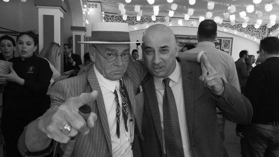 Profesor Lebrato con Manolo Vilima en BN