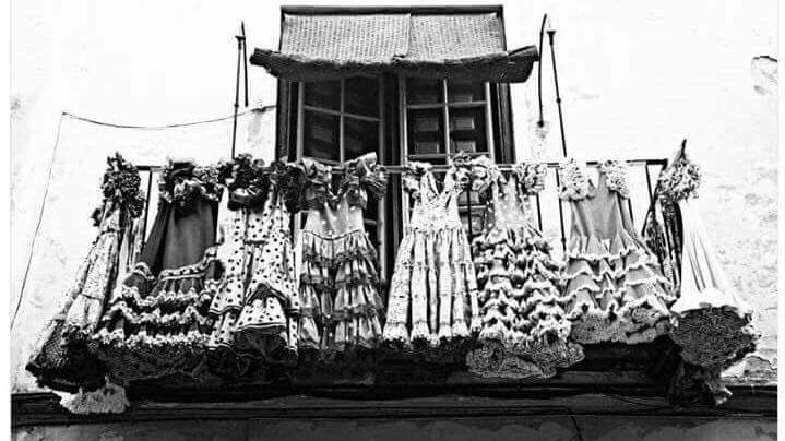 trajes de sevillanas fotos antiguas de Sevilla