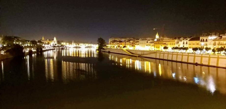 Sevilla y Triana desde el puente.