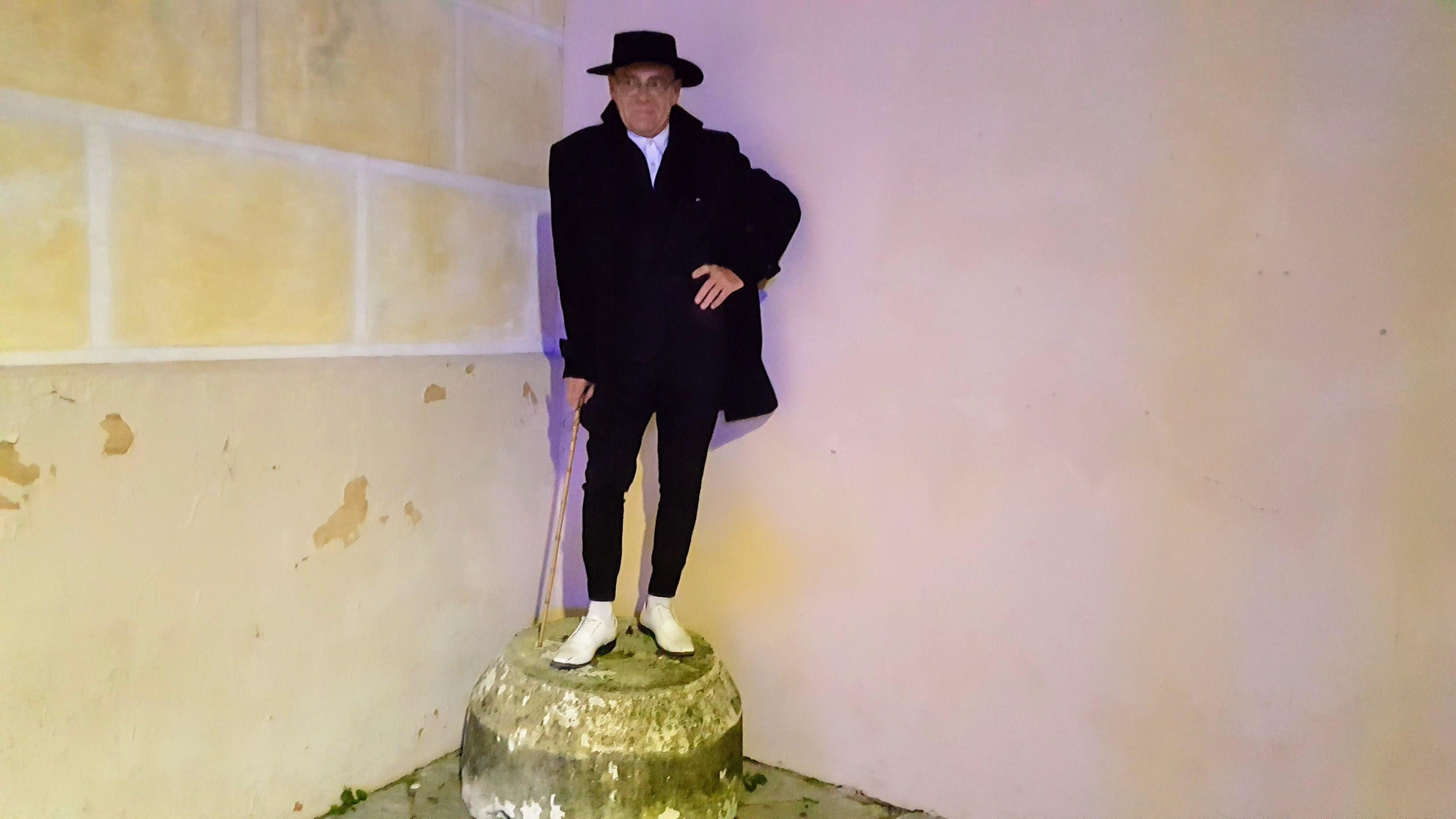 DL estatua