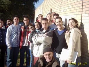 2004.11.17.IcoEstiloUrbano.ElGrupo&ElProfe
