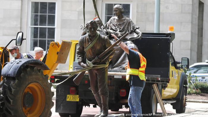 Guerra contra las estatuas